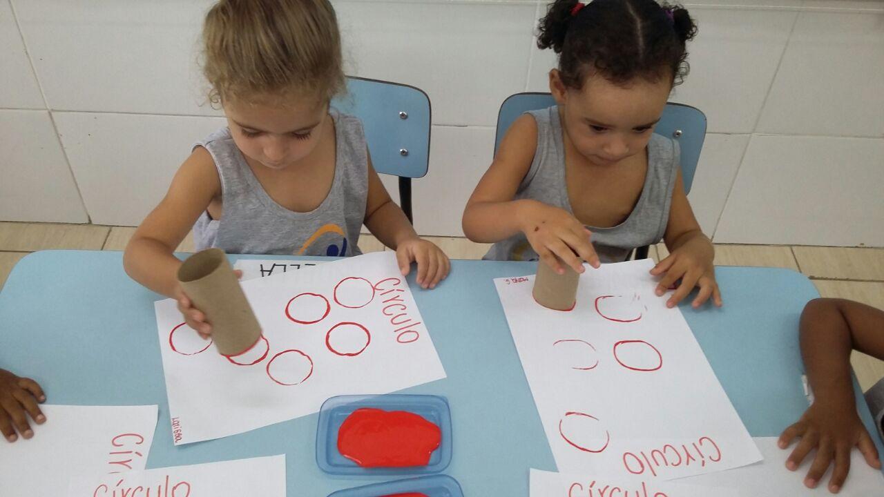 Aprendendo sobre as Formas Geométricas